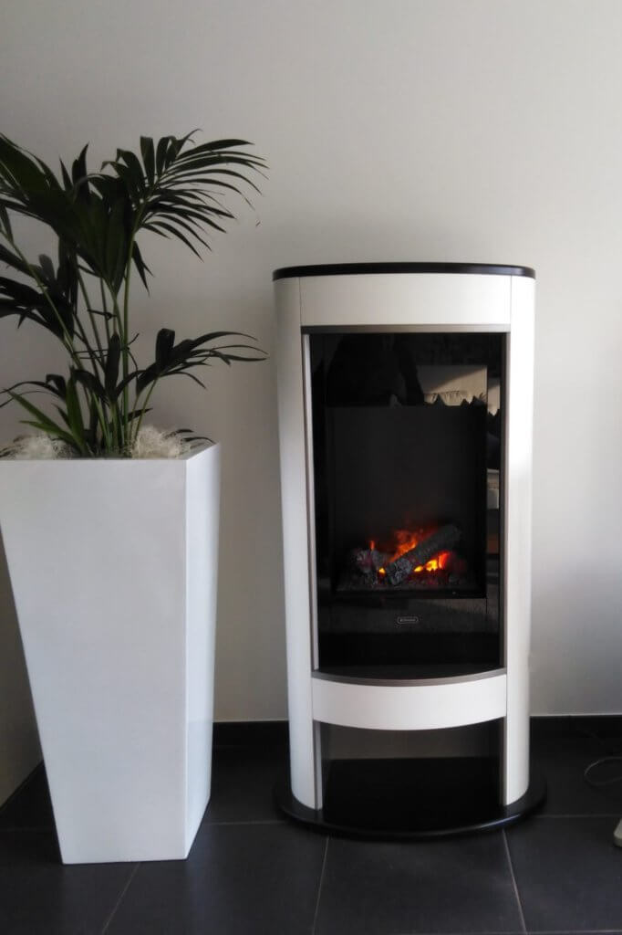 Glen Dimplex Verdi elektrische kachel met optimyst systeem en verwarming witte lak en houtblokkendecoratie